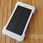 ソーラーパネル付モバイルバッテリー